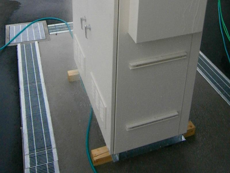 社内でIP44までの試験設備の配備(排水設備)